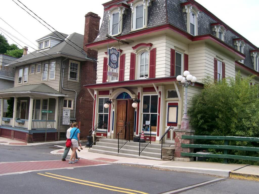 milford-charming-new-jersey