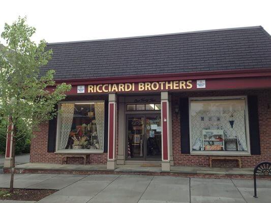 Ricciardi-Brothers-Paint
